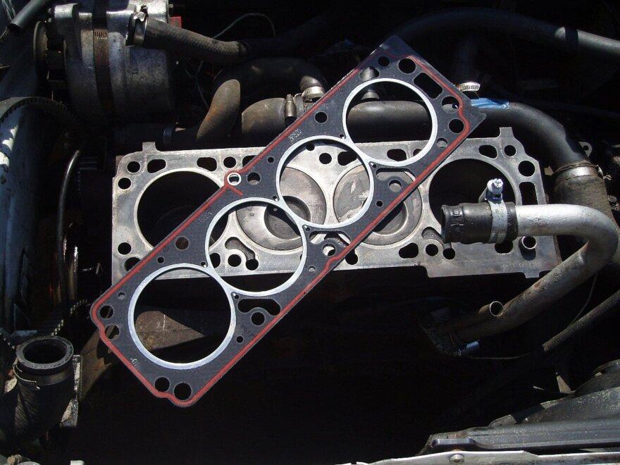 Замена прокладки головки на 4-цилиндровом моторе